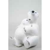 ours polaire mousse avec enfant avec neige kaemingk 455601