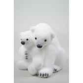 ours polaire mousse avec enfant avec neige kaemingk 455602