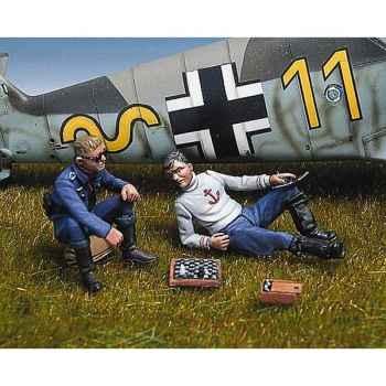 Figurine - Pilotes allemands jouant aux échecs - SW-10