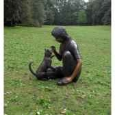 fille assise avec chat b633