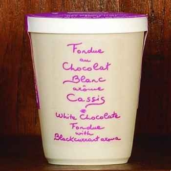 2 fondue au chocolat blanc et cassis Aux Anysetiers du Roy - 0345x2