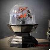 globe de papillons rouges objet de curiosite in050