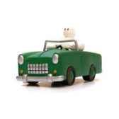 figurine plastoy bibendum en voiture verte 68219