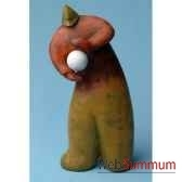 objet de decoration homme bois polychrome avec une balle blanche artisanat indonesien 13771