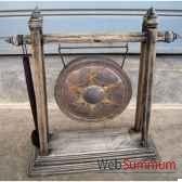 gong en bronze sur portique en bois de tek artisanat thai tai0815