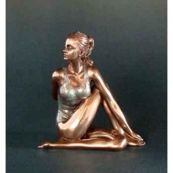 Figurine body talk - yoga ardha matsyendra-asana  - wu74986