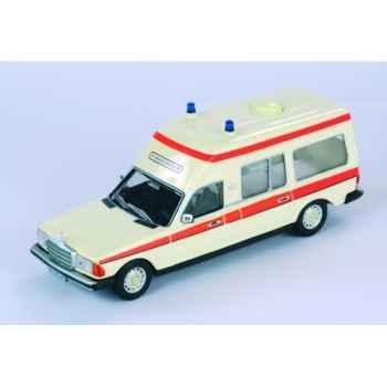 Mercedes ambulance allemande Norev 351152
