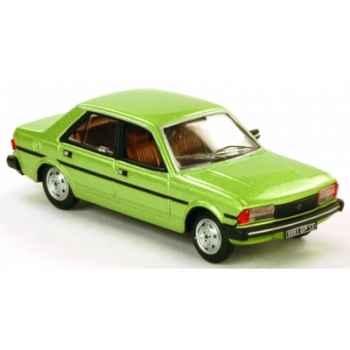Peugeot 305 vert Norev 473505