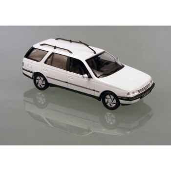 Peugeot 405 break blanc Norev 474550