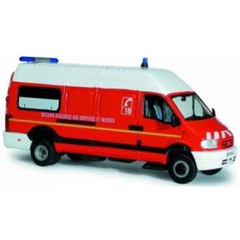 Renault mascott 14m3 pompier vsab Norev 518409