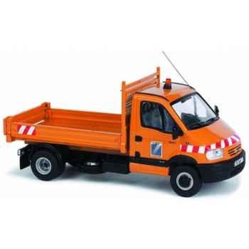 Renault mascott castor dde (17) Norev 518410
