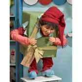 automate garcon en costume de noedans un gros cadeau automate decoration noe153