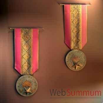 Médaille géante Objet de Curiosité -DA076