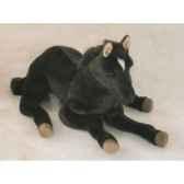 peluche allongee poulain noir 70 cm piutre 2697