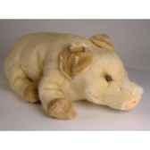 peluche allongee bebe cochon beige 45 cm piutre 2419