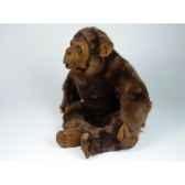 peluche assise chimpanze 40 cm piutre 2570
