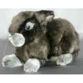 peluche allongee lapin gris 40 cm piutre 721