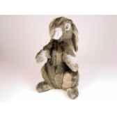 peluche assise lapin gris 40 cm piutre 720