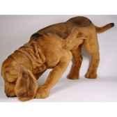 peluche chien de saint hubert en poursuite 90 cm piutre 2269