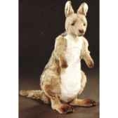 peluche debout kangourou 70 cm piutre 2414