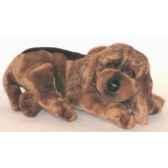peluche allongee chien de saint hubert 35 cm piutre 3220