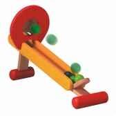 jeu de balles a lancer en bois plan toys 4114